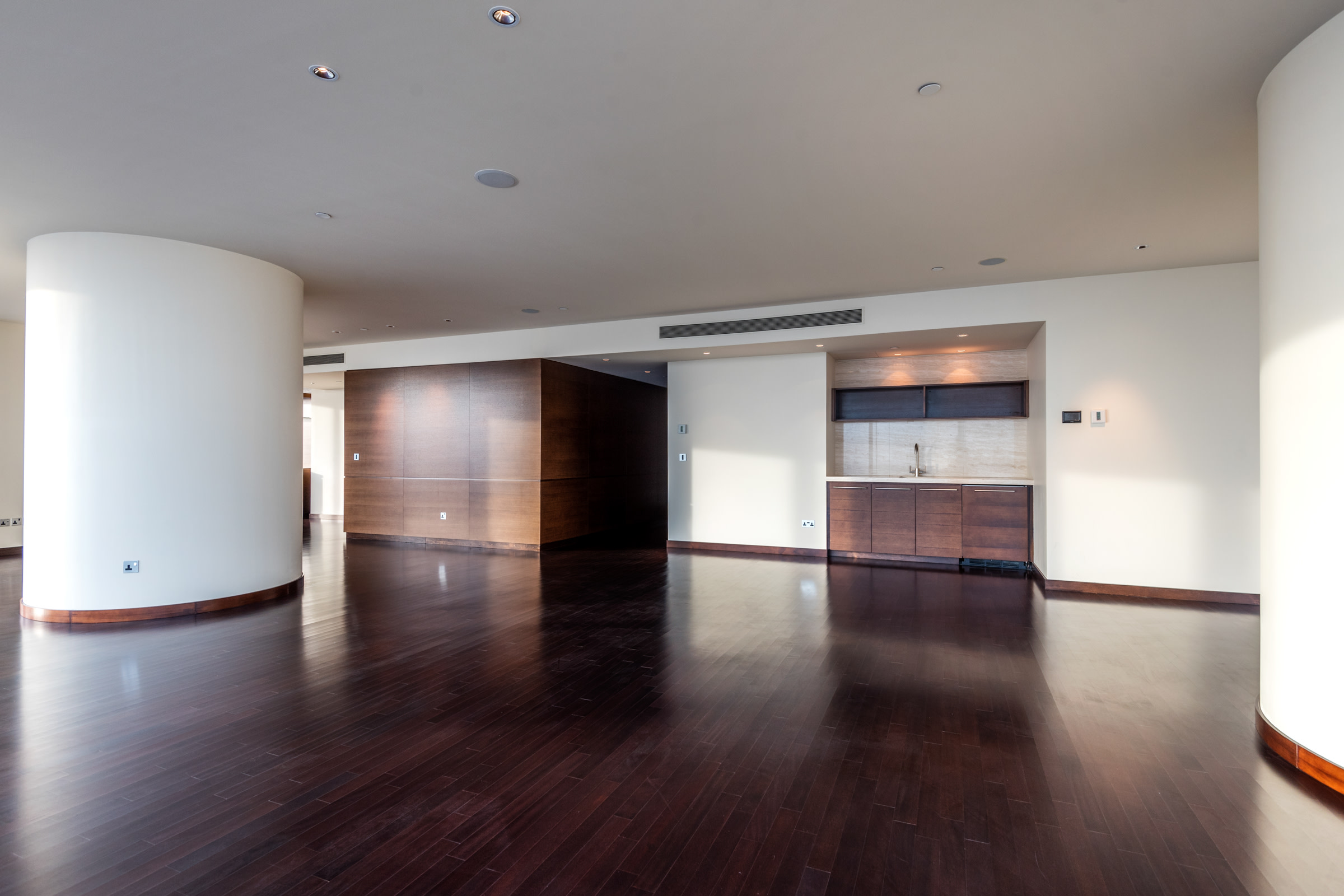 Brand New Luxury Apartment with Panoramic Sea View