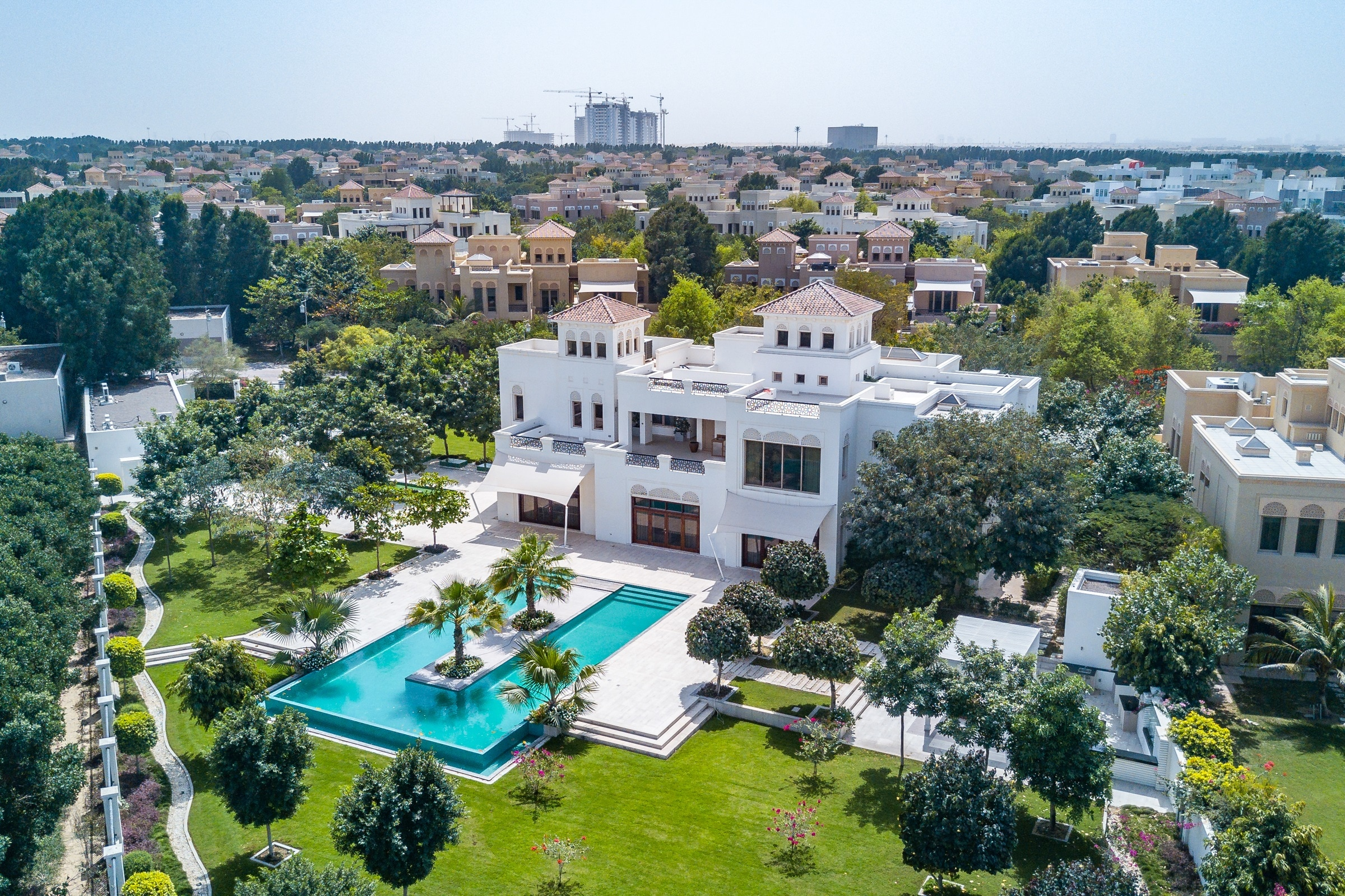Stunning 7 Bed Mansion | Fully Furnished