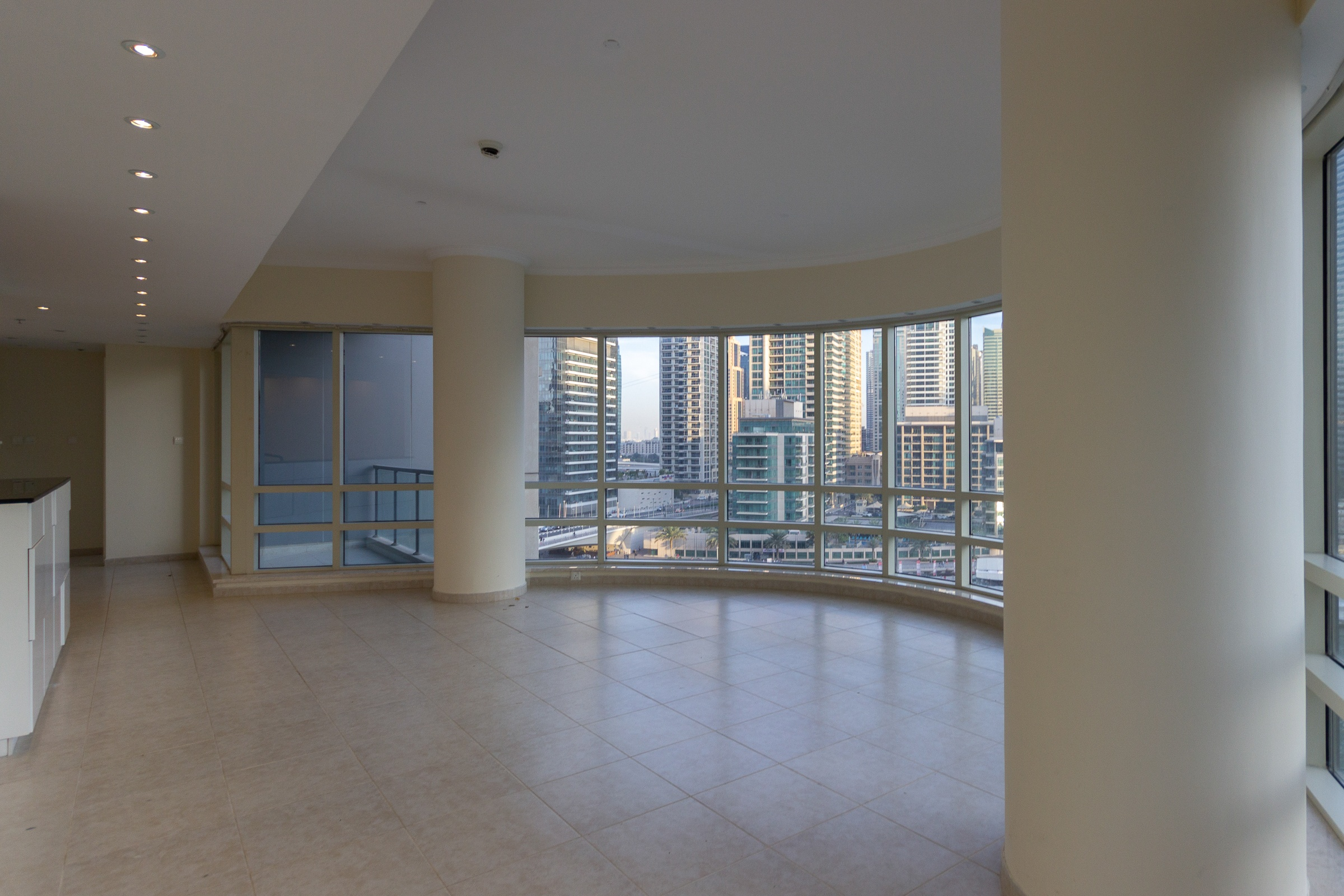 EXCLUSIVE APARTMENT| Full Upgraded 2 Bed