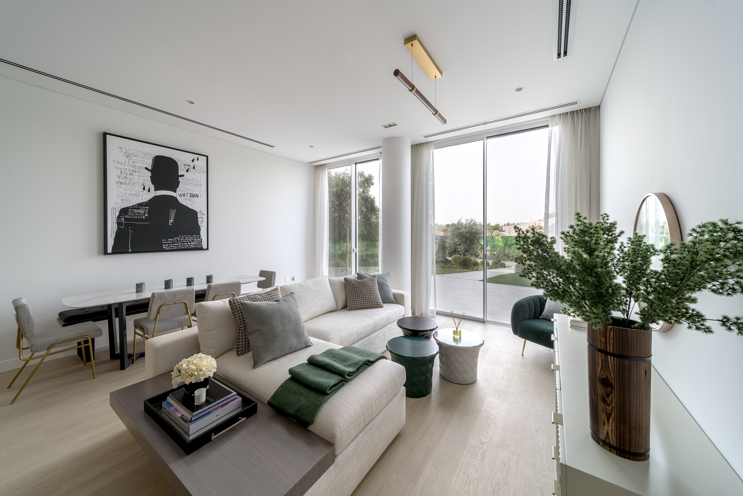MODERN LUXURY 1BED | COVERED IN GREENERY