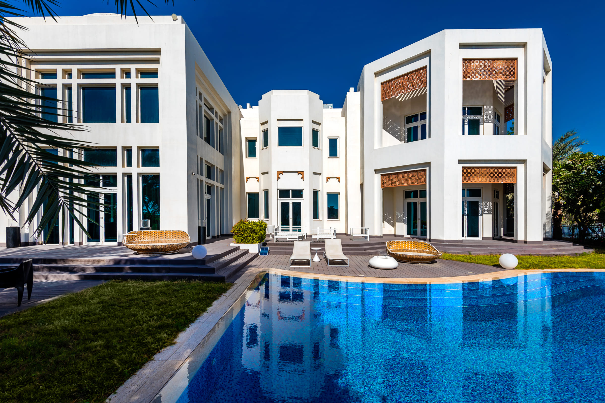 Luxury Villa 7 Bedroom | Golf and Lake Views