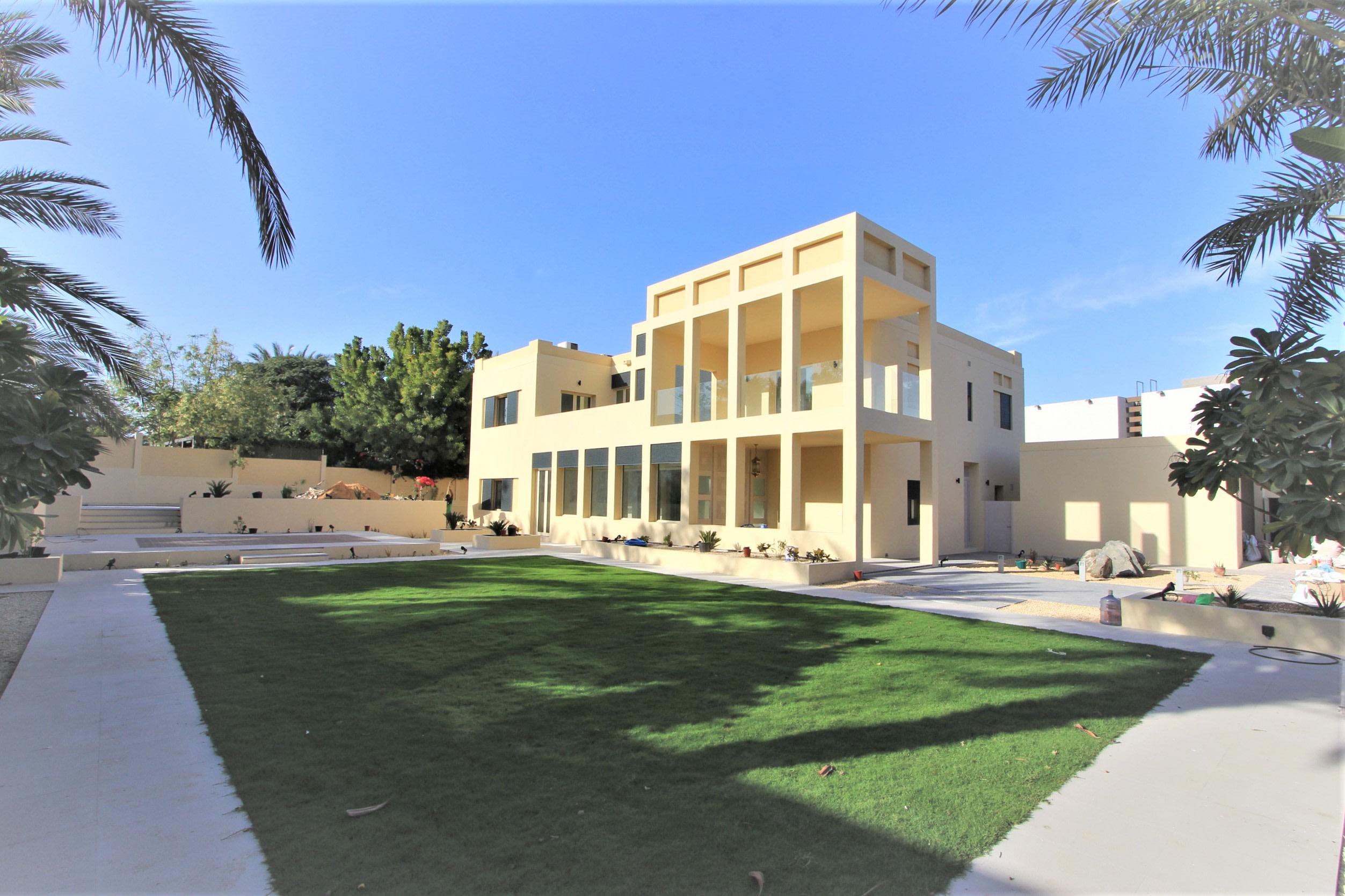 Upgraded Signature Villa New Landscaping