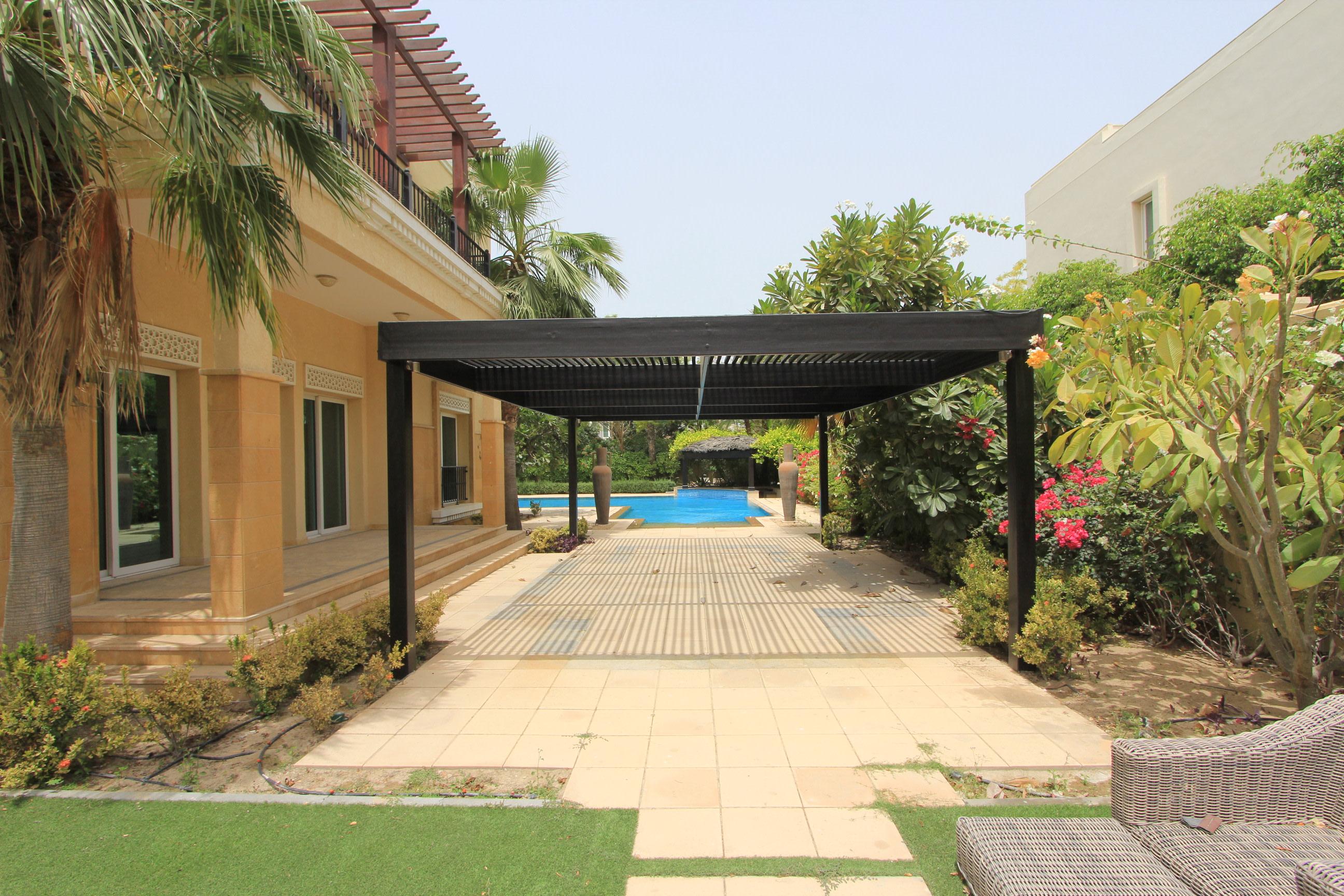 Private corner Plot villa with Lake View
