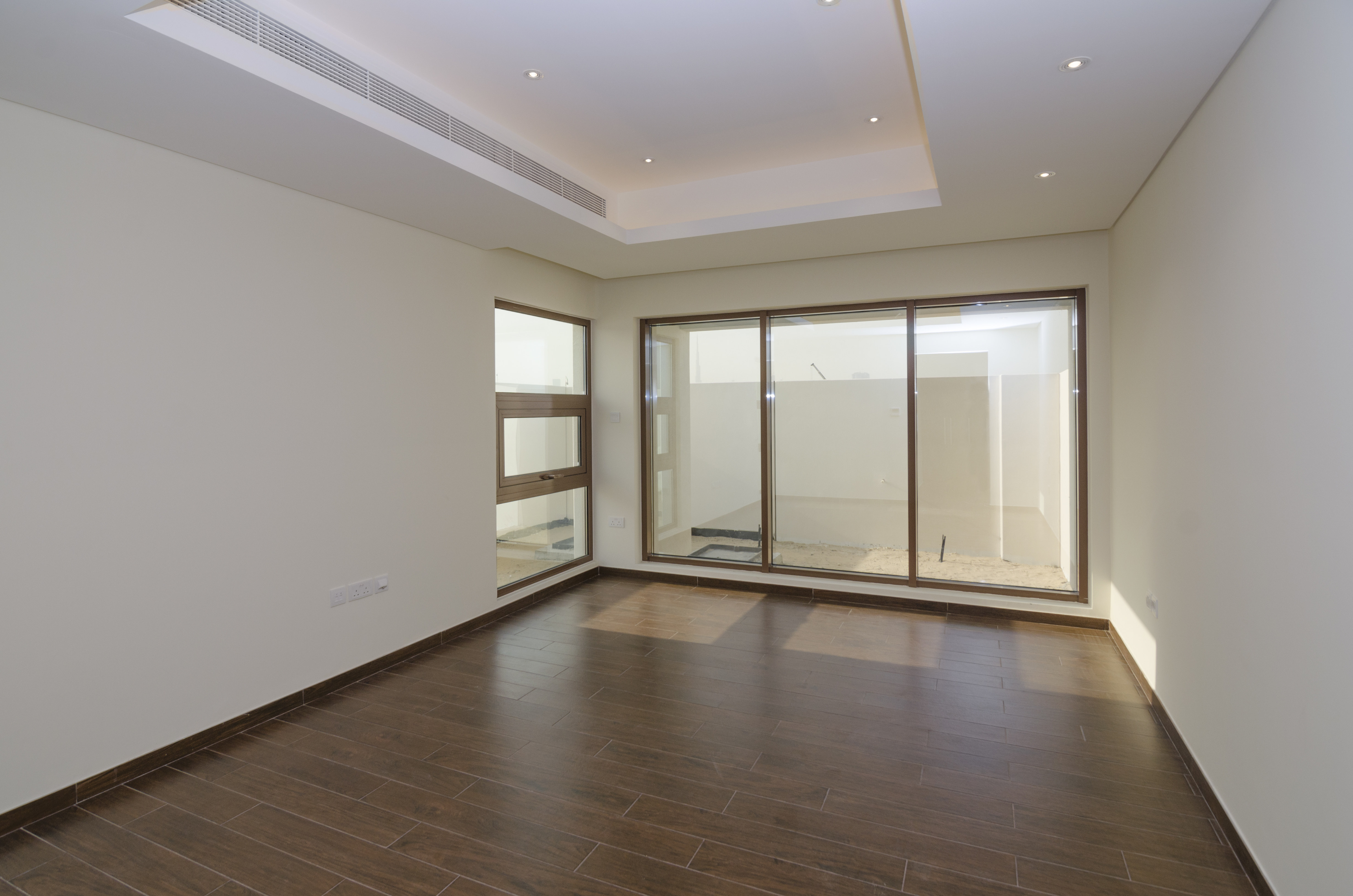 Brand New   4 Bedroom Townhouse in Grand Views