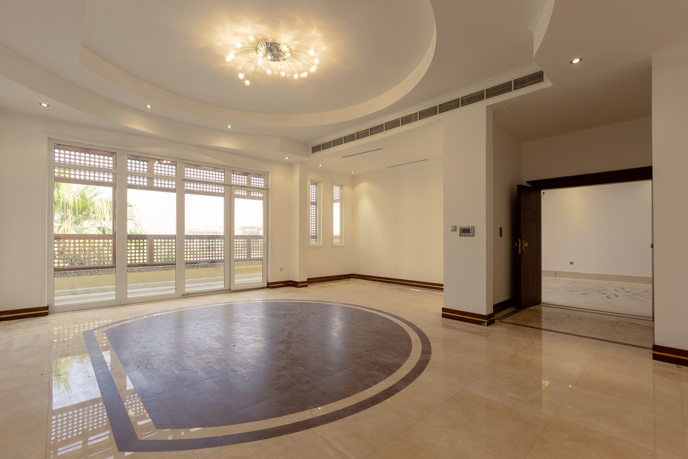 Substantial Villa Large Courtyard Vacant
