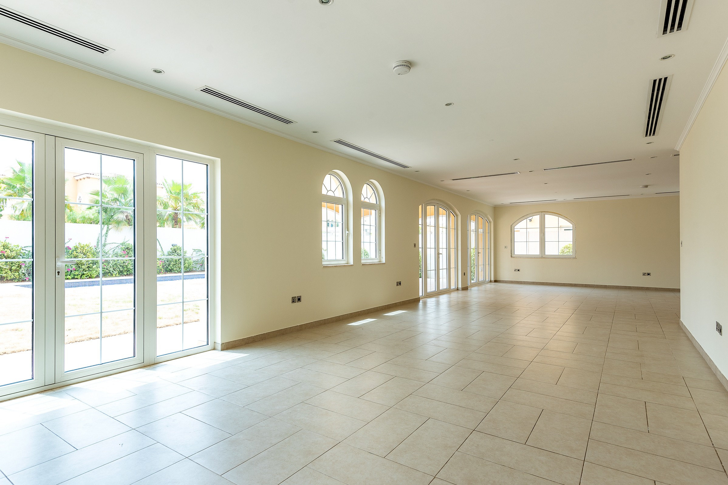Immaculate 5 Bed Feature Garden Park