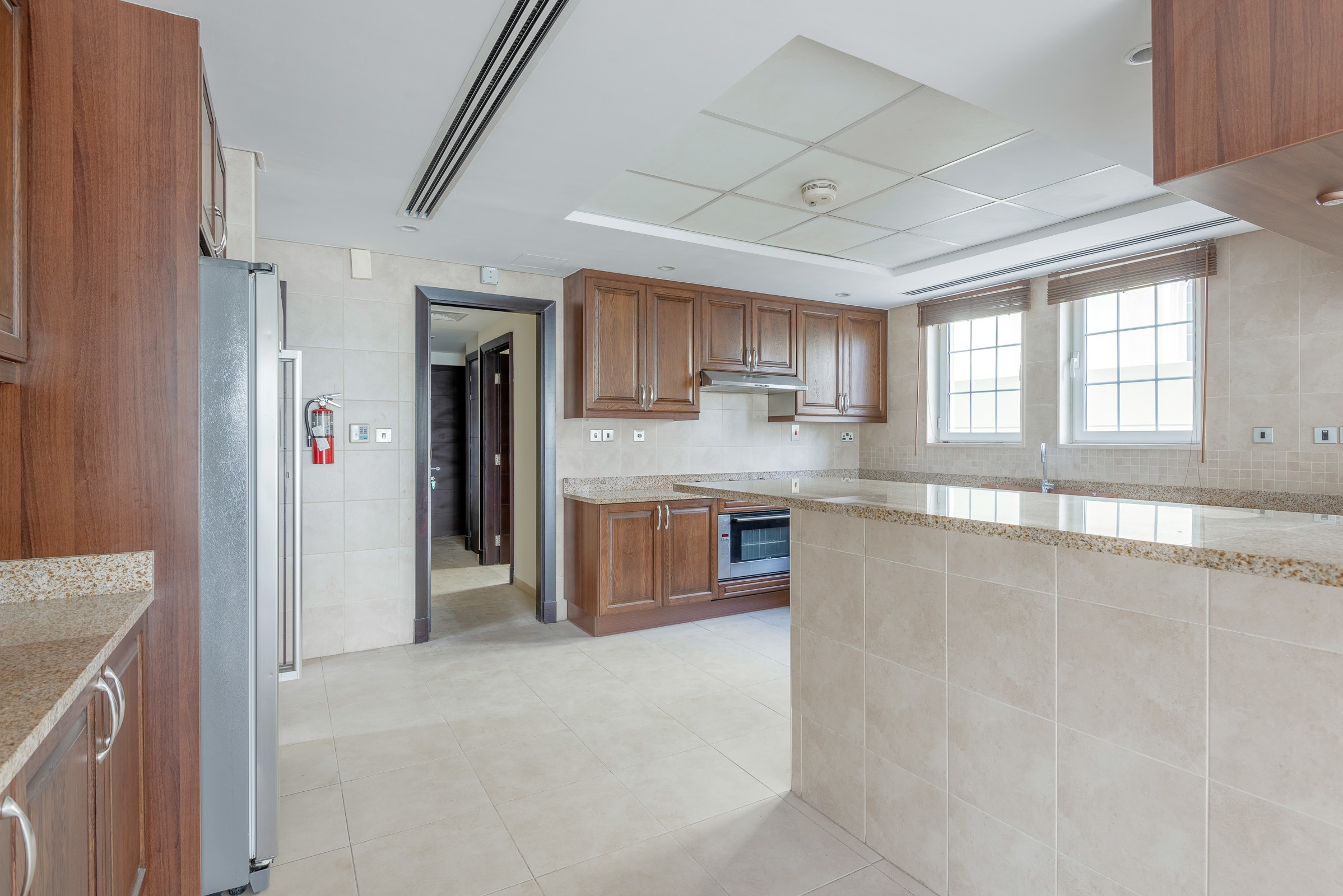 Immaculate 4 Bed Skyline View District 4