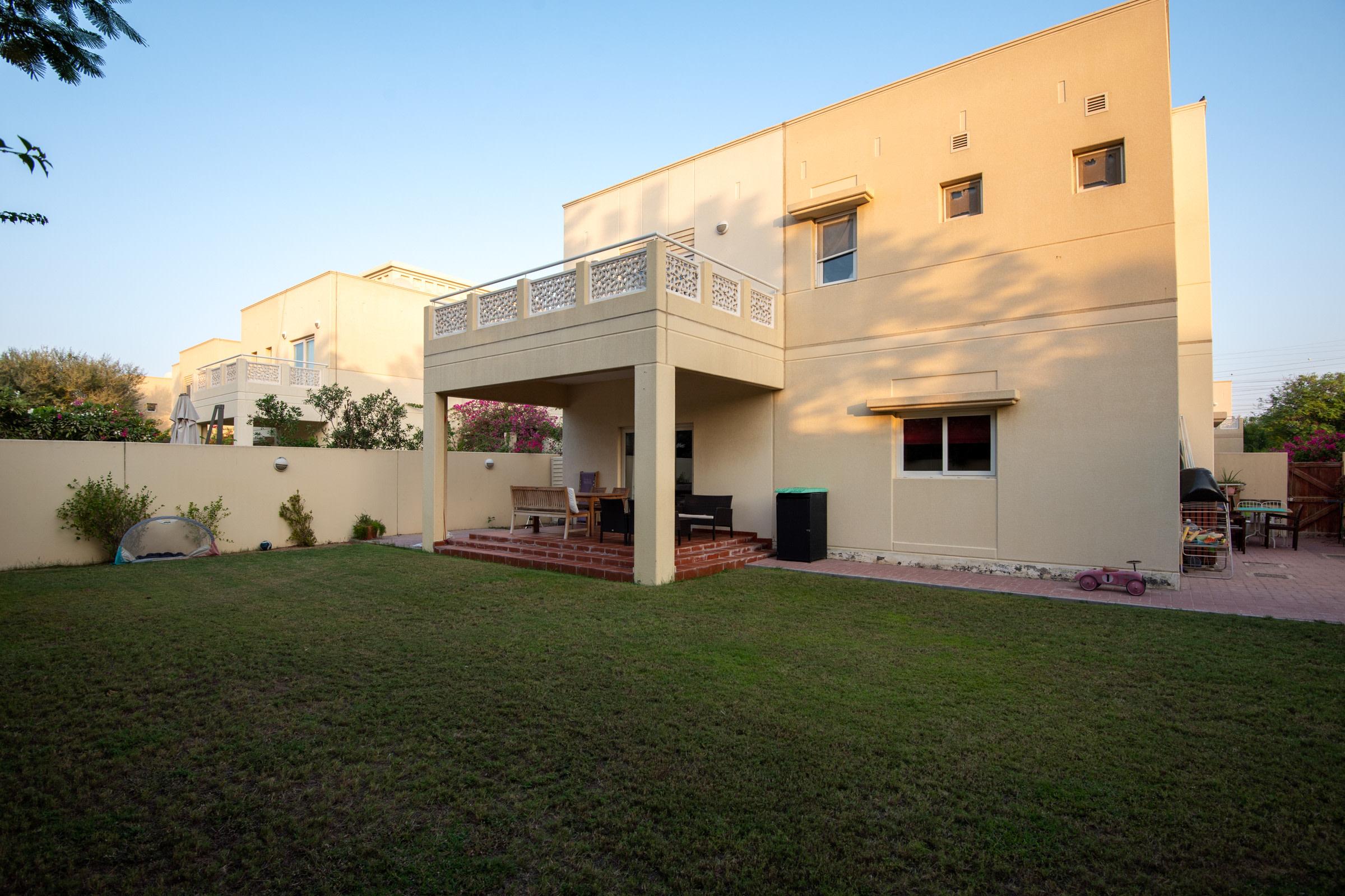Well Presented Four Bedroom Villa Type 2