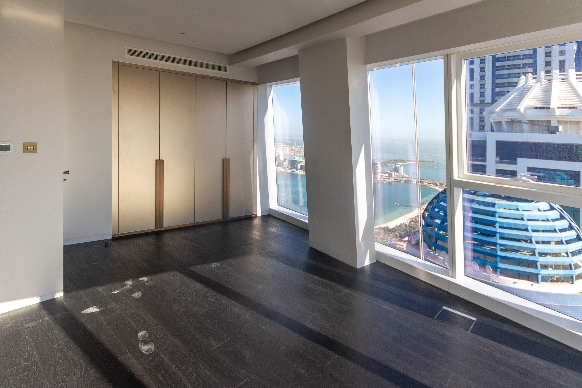 Large Three Bedrooms I Full Marina views