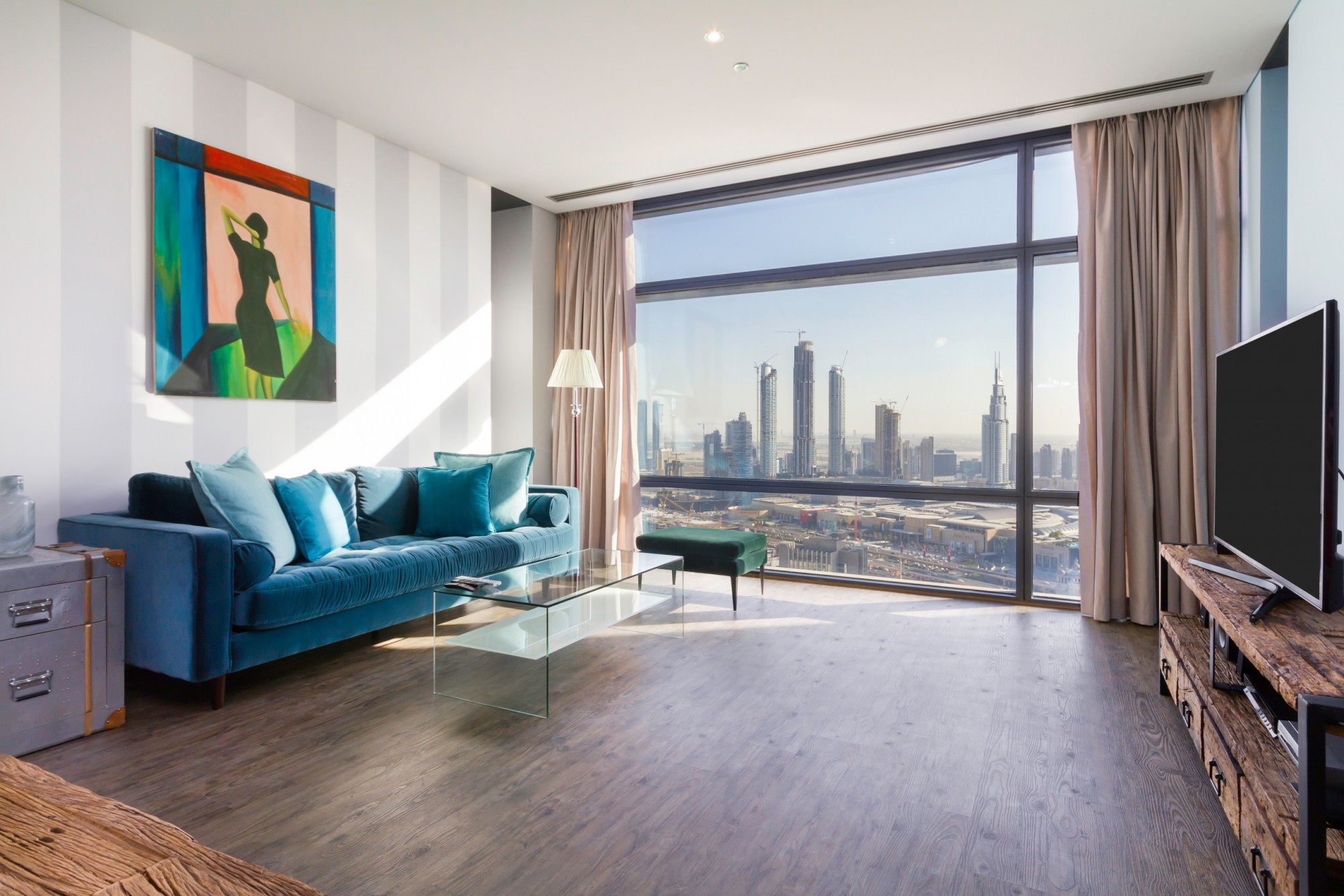 Modern Apt in Luxury Building w/ Burj Khalifa Views
