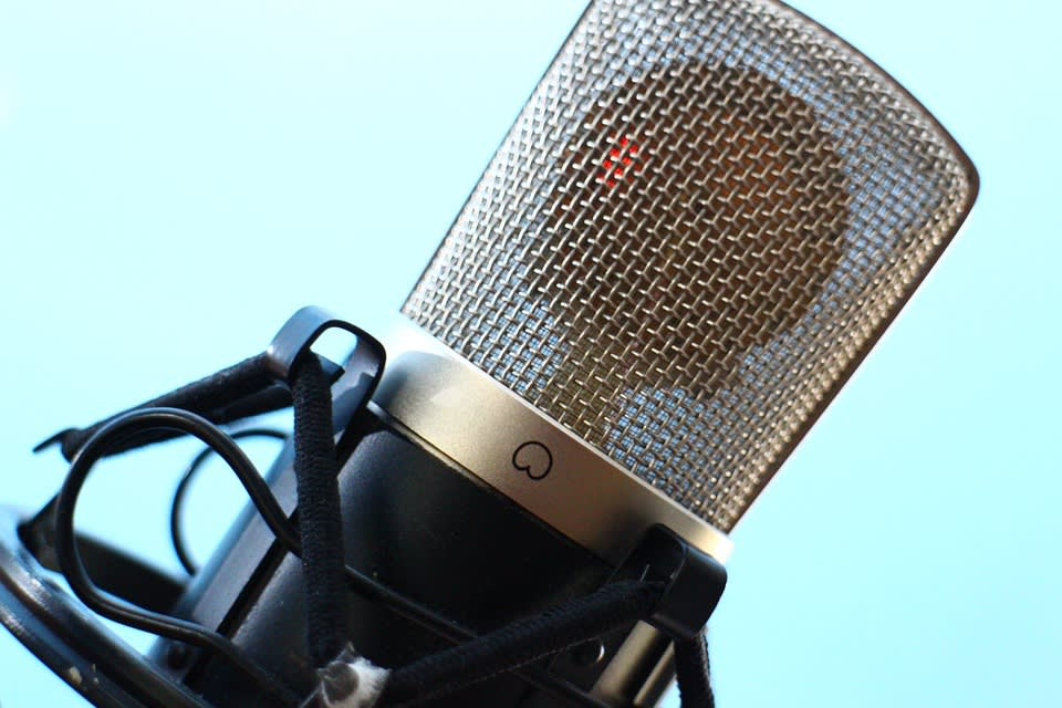 Portfolio for Voice over, sound design, music artist.