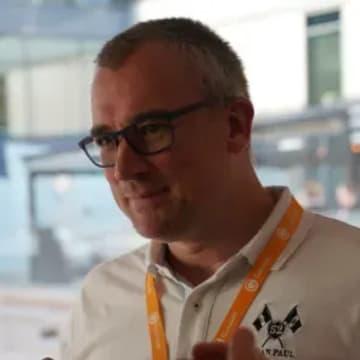 - Jan Erik Gran, salgssjef og fagspesialist