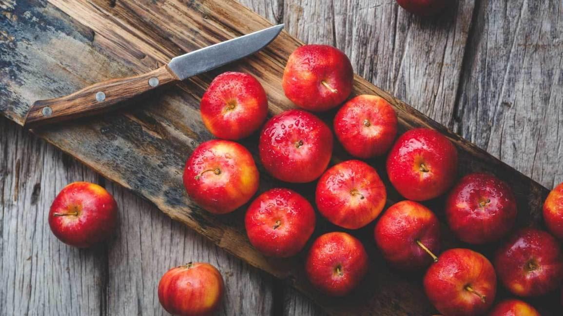 Photo of सेब से जुडी 15 रोचक बातें और 10 फायदे |About Apple in Hindi