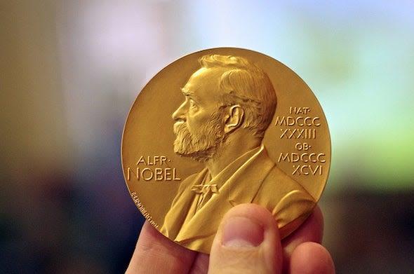 Photo of दुनिया के सबसे प्रतिष्ठित पुरस्कार नोबेल पुरस्कार की पूरी जानकारी