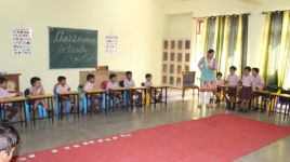 LKG & UKG Class activity with Flash Cards