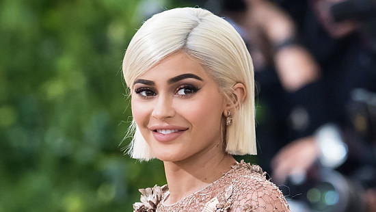 គេរិះគន់ថា សេដ្ឋីនី Kylie Jenner គំរិ...
