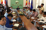 Phnom Penh Governor Urges Immediate...