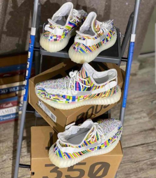 Mens Adidas Yeezy 350 sneakers