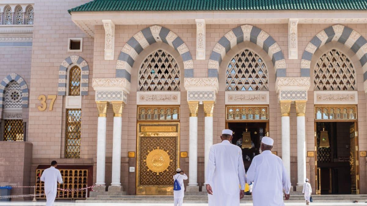 Umrah April: Madinah → Makkah  With Tripfez