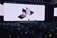 Samsung gives foldables another go...