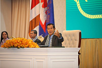 Hun Sen Says No Plan to Close...