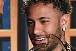 Neymar tells Ronaldo that the fall...