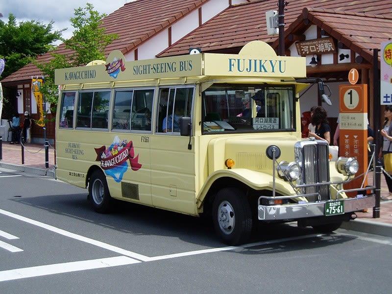 Fujikyu Retro bus