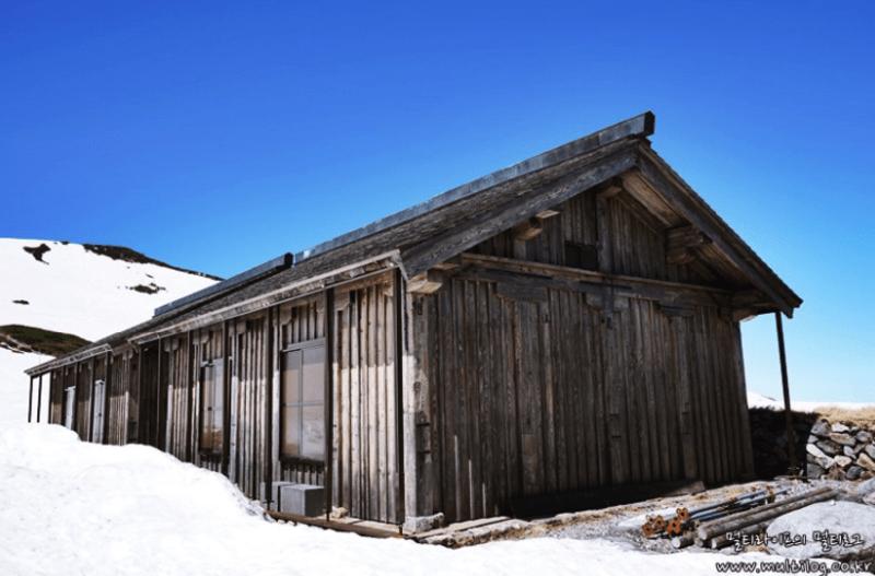 murodo-mountain-hut