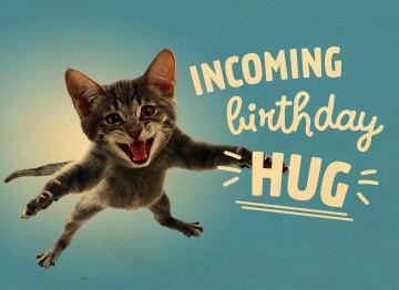 - Houten-kaart-verjaardag-man-vrouw-tiener-Incoming-birthday-hug-kat