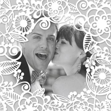 - huwelijk-kaart-foto-kader-met-witte-bloemen