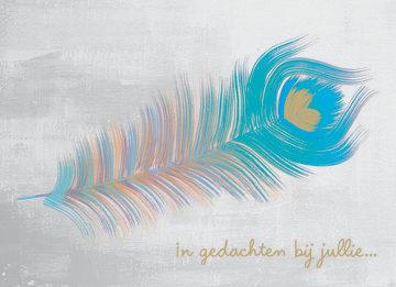 - een-hele-mooie-blauw-pauwenveer-met-de-tekst-in-gedachten-bij-jullie