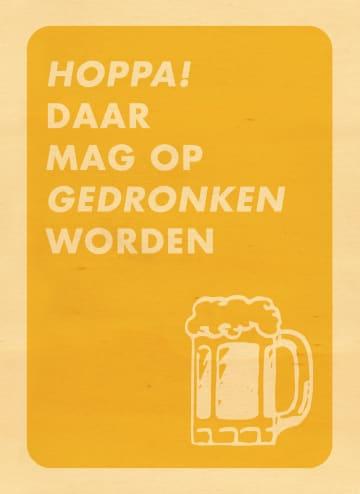 - houten-kaart-gefeliciteerd-hoppa-daar-mag-op-gedronken-worden