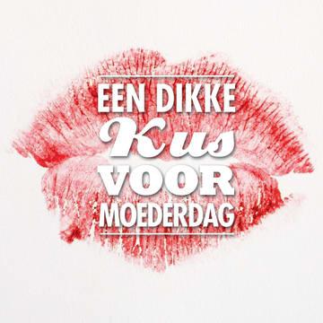 - een-dikke-kus-voor-moederdag-met-rode-lippenstift