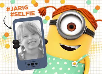 - minion-kaart-meisje-hashtag-jarig-hashtag-selfie