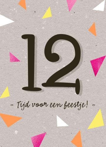 - Verjaardagskaart-meisje-12-vlaggetjes