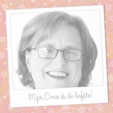 - moederdagkaart-mijn-oma-is-de-allerliefste