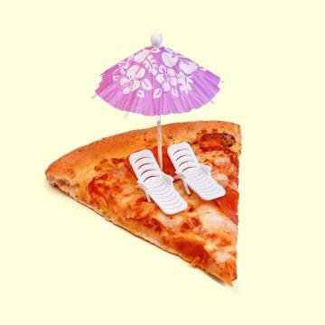- pizza-met-strandstoelen