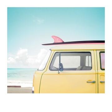 - Zomerkaart-busje-met-surfboard-Polaroid