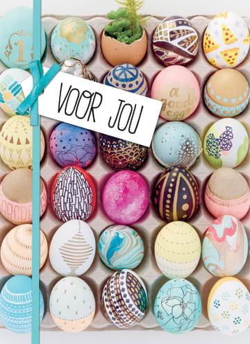 - voor-jou-paaskaart-met-verschillende-gekleurde-eieren