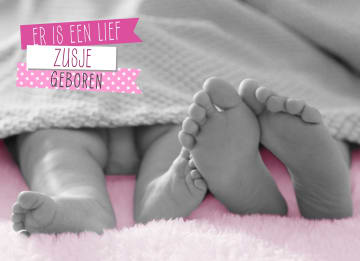- babyvoetjes-onder-de-dekens-zusje
