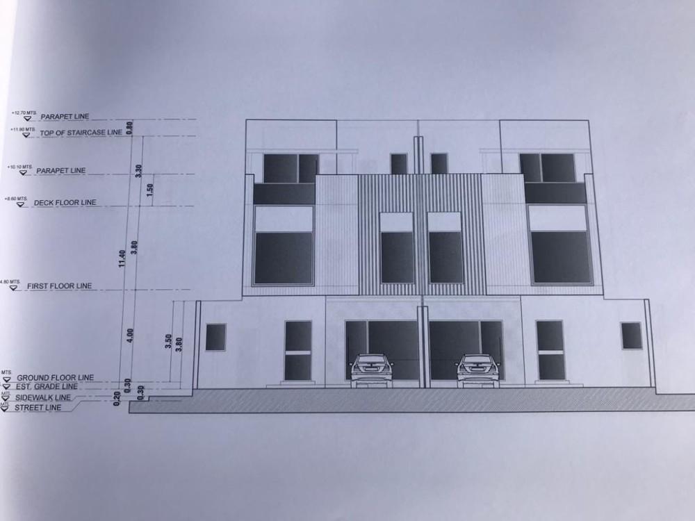 4 دوبلكسات متصلة 300 متر مربع