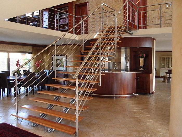 Внутренние лестницы в доме