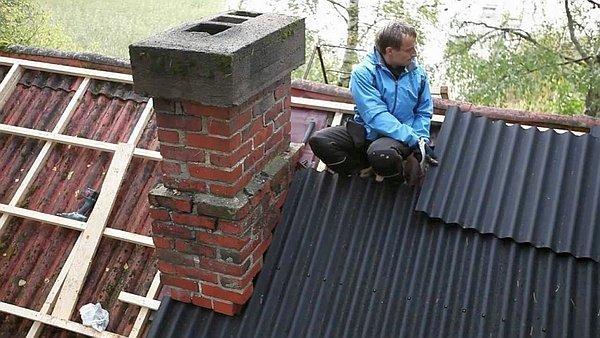 укладка ондулина на старую крышу
