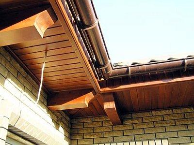 подшитые свесы крыши