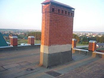 кирпичный заделанный дымоход на крыше