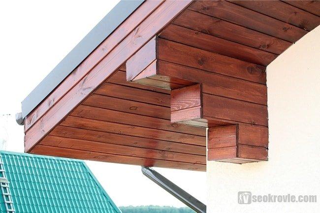 карниз из деревянных панелей
