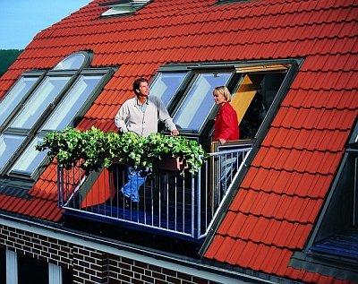 слуховое окно с просторным балконом