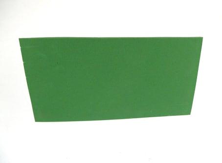 Kunststoff-Reibebrett mit Zellkautschuk-Belag grün
