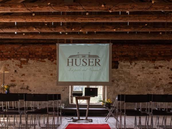 Presteenkesetet Huser