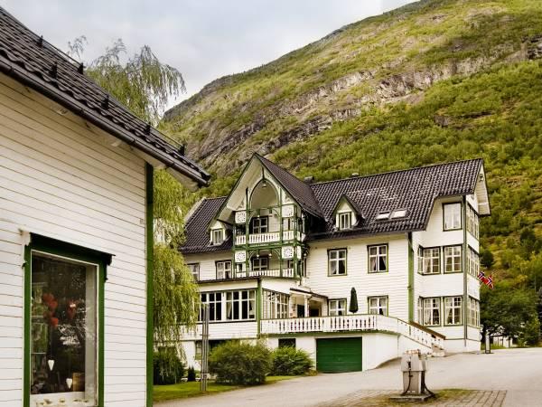 Hjelle Hotel / Gamlebutikken på Hjelle